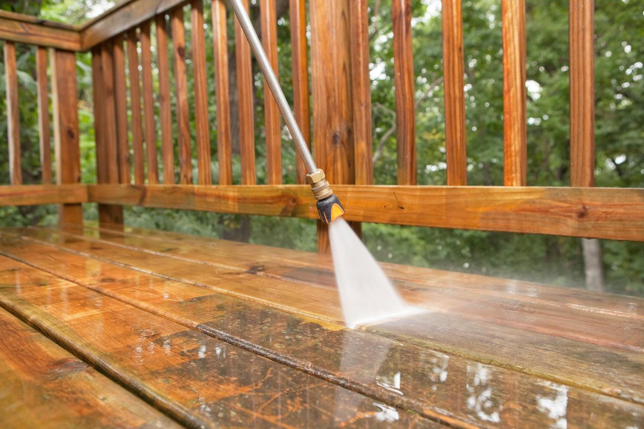 Deck & Fencing Softwashing