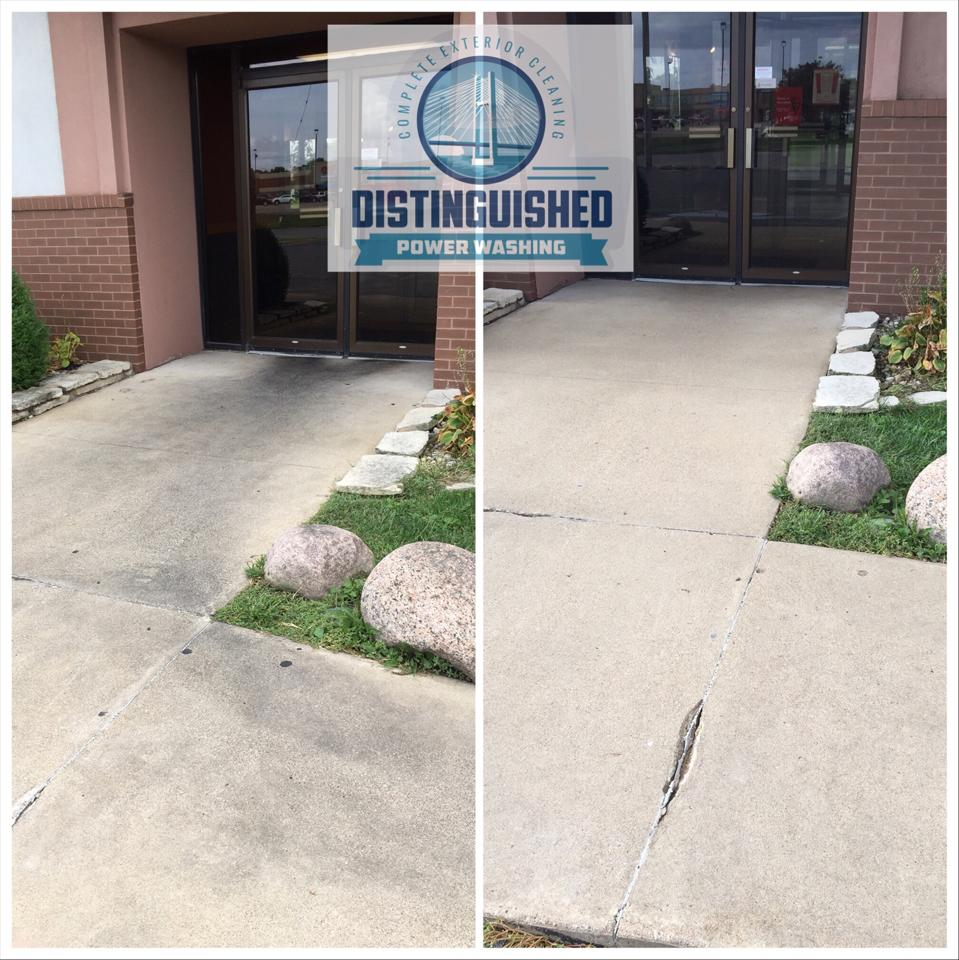 Commercial Concrete Power Washing in the Quad Cities