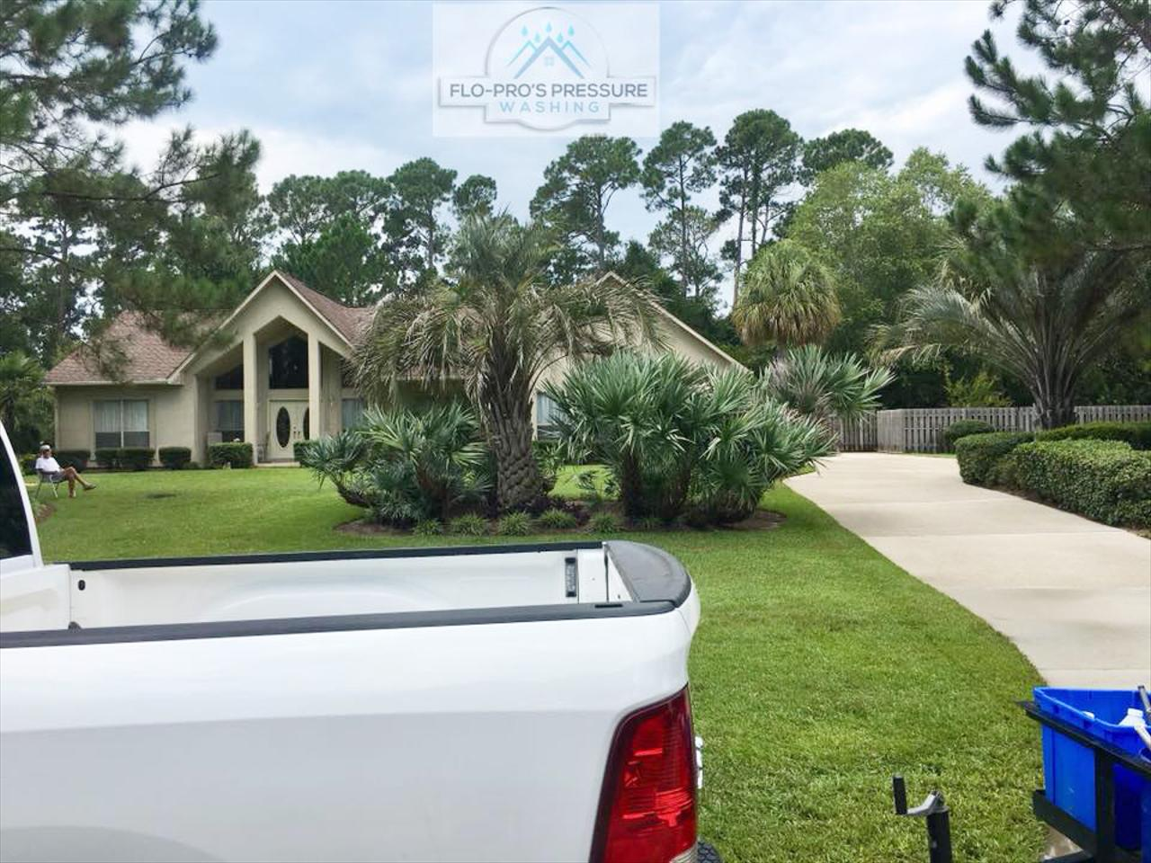 Are you looking for an affordable pressure washing contractor in Pensacola, Gulf Breeze and the surrounding area?