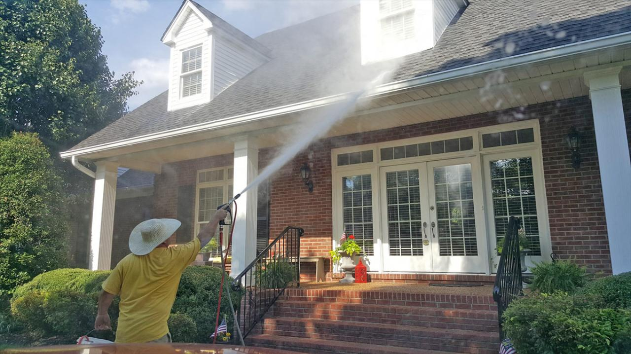 The Spray Team is a locally owned and operated pressure washing contractor covering Nashville, TN.