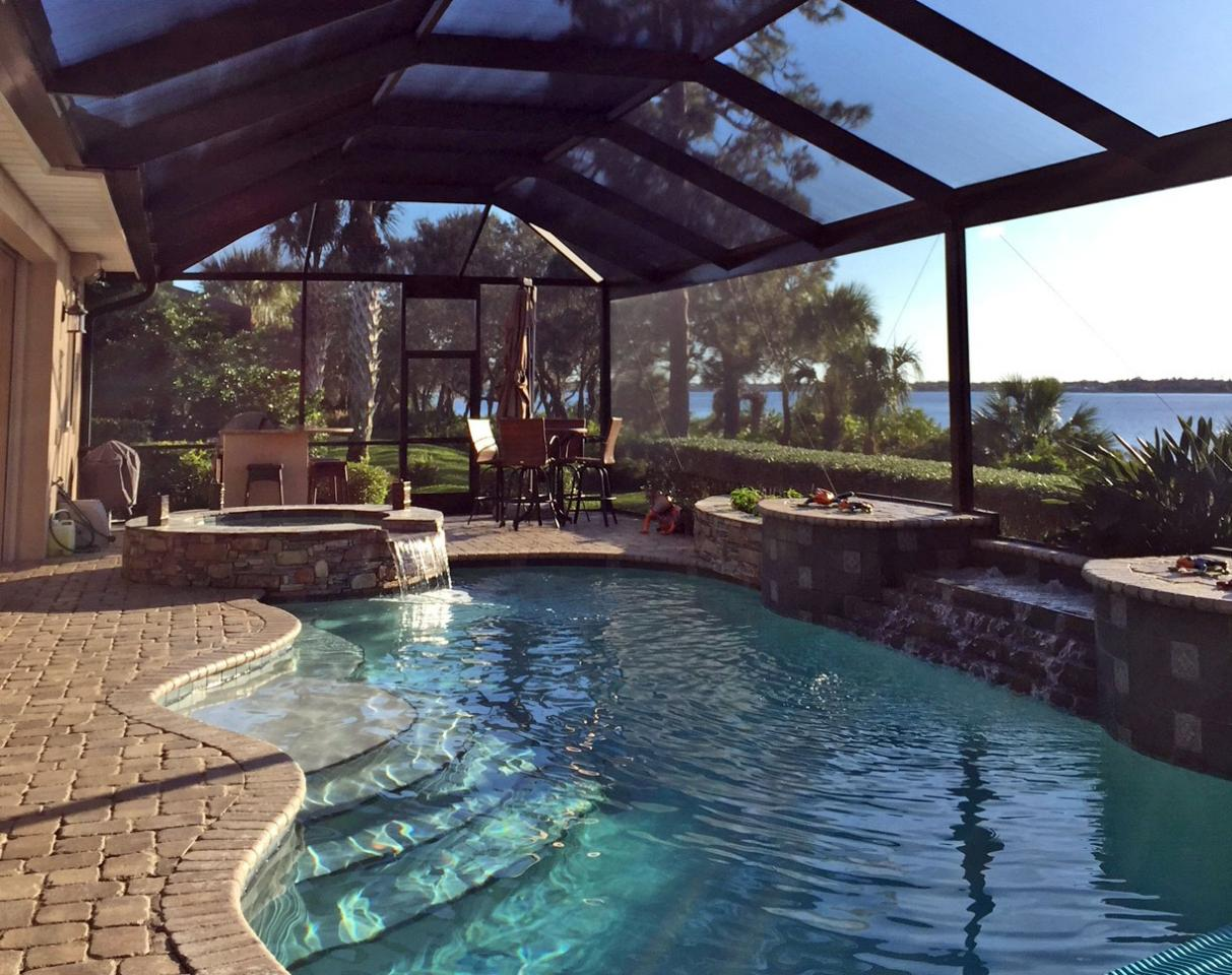 Pool Deck & Cage Cleaning