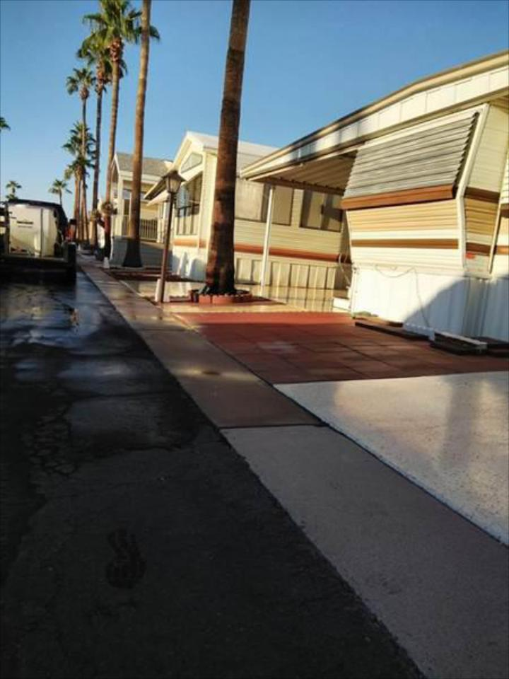 From driveways to landscaping, patios to walkways, we'll help remove slime and grime from all types of pavement and concrete.