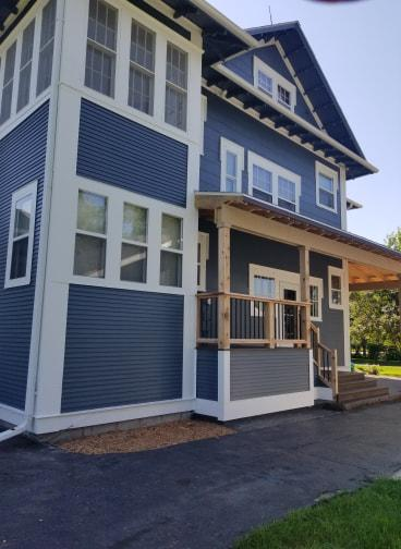 We are a professional exterior and interior painting company based in Aberdeen.