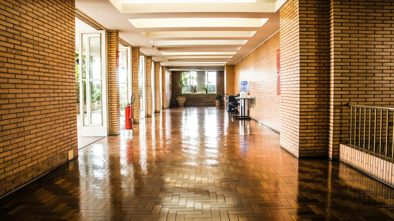 Commercial Floor Cleaning and Waxing Service