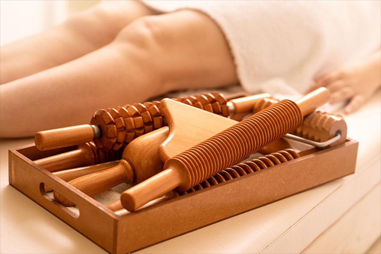 Cellulite treatment, Buttocks Plumping & Wood Therapy Training