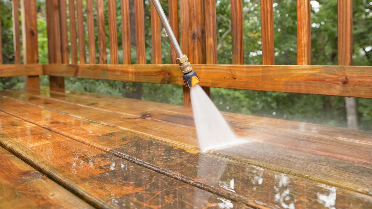 We Clean Wood, Composit, and Vinyl Decks and Fences