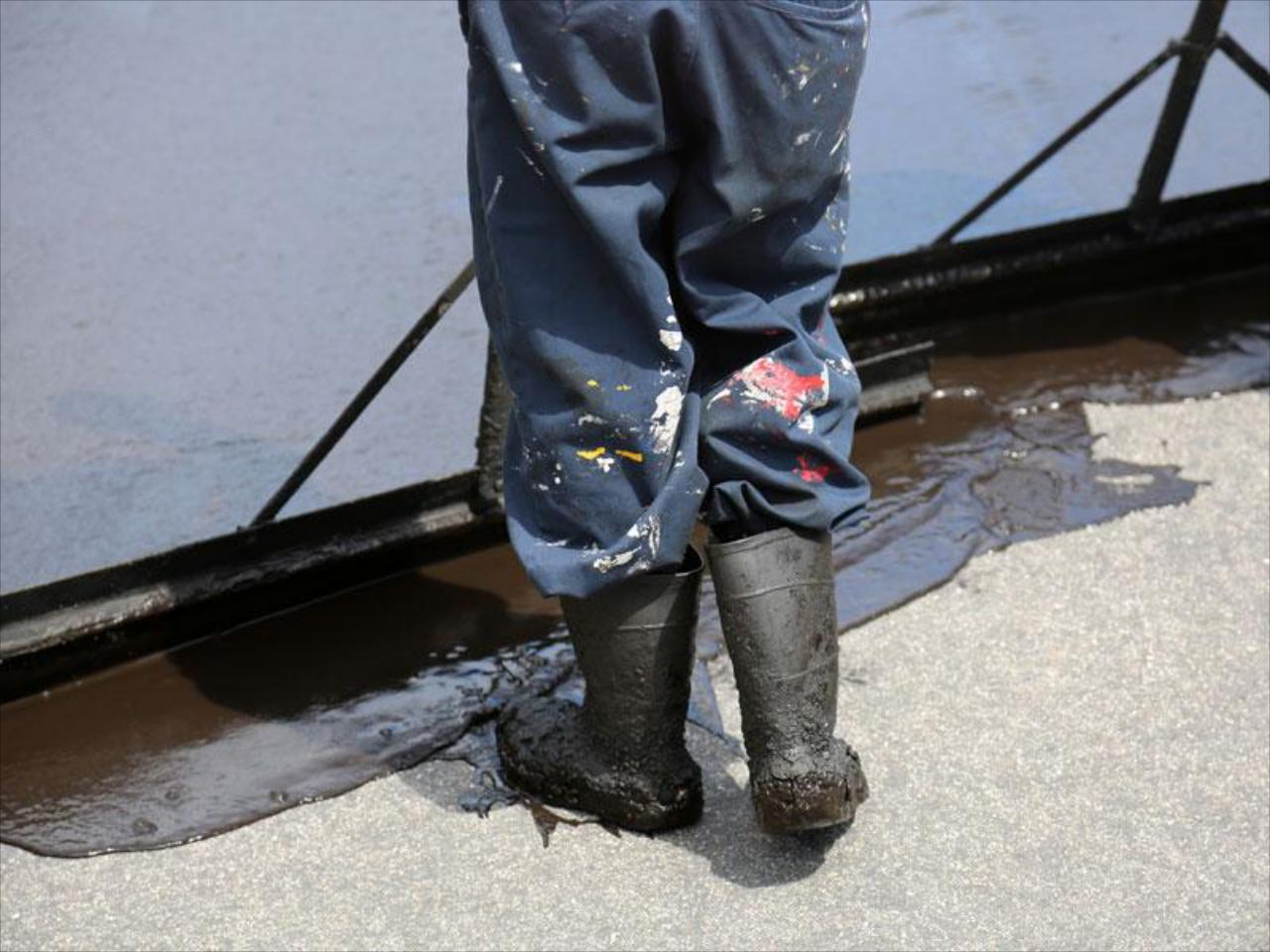 Get the most out of your asphalt with our professional, quality sealcoating services