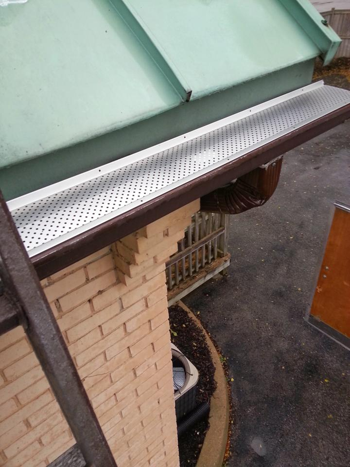 Heavy Duty Seamless Eavestrough and Gutter Screen Products