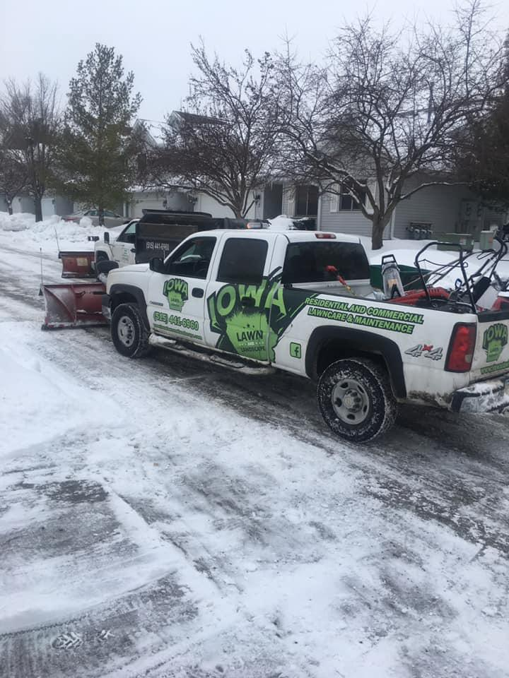 DES MOINES SNOW PLOWING AND SNOW REMOVAL SERVICES