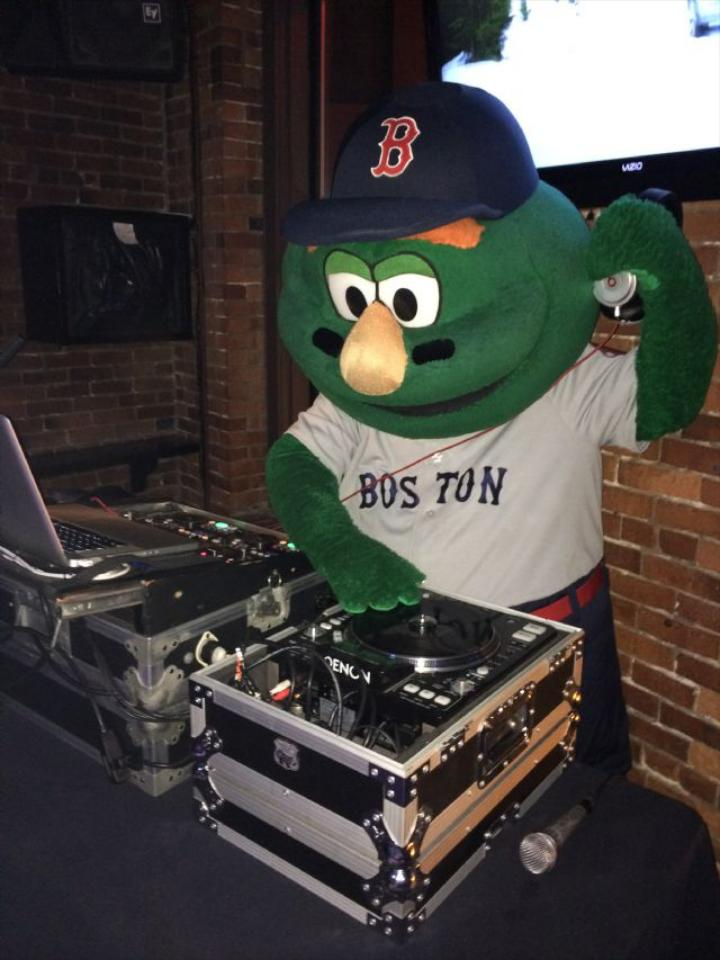 Party Music Masters is based in Boston, Massachusetts and regularly provides outstanding service to all of New England.