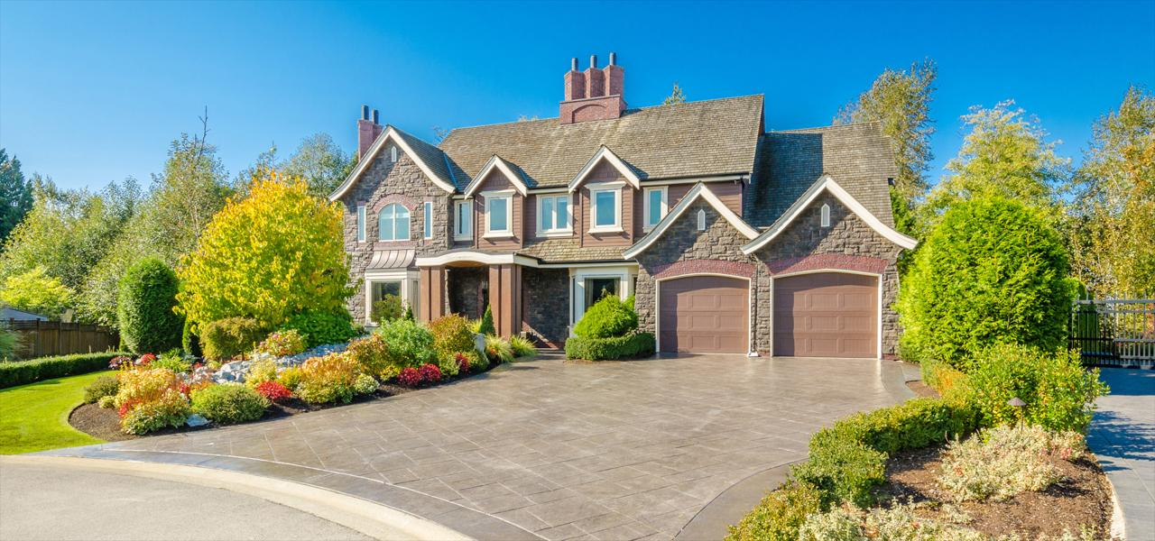 House Washing & Roof Cleaning