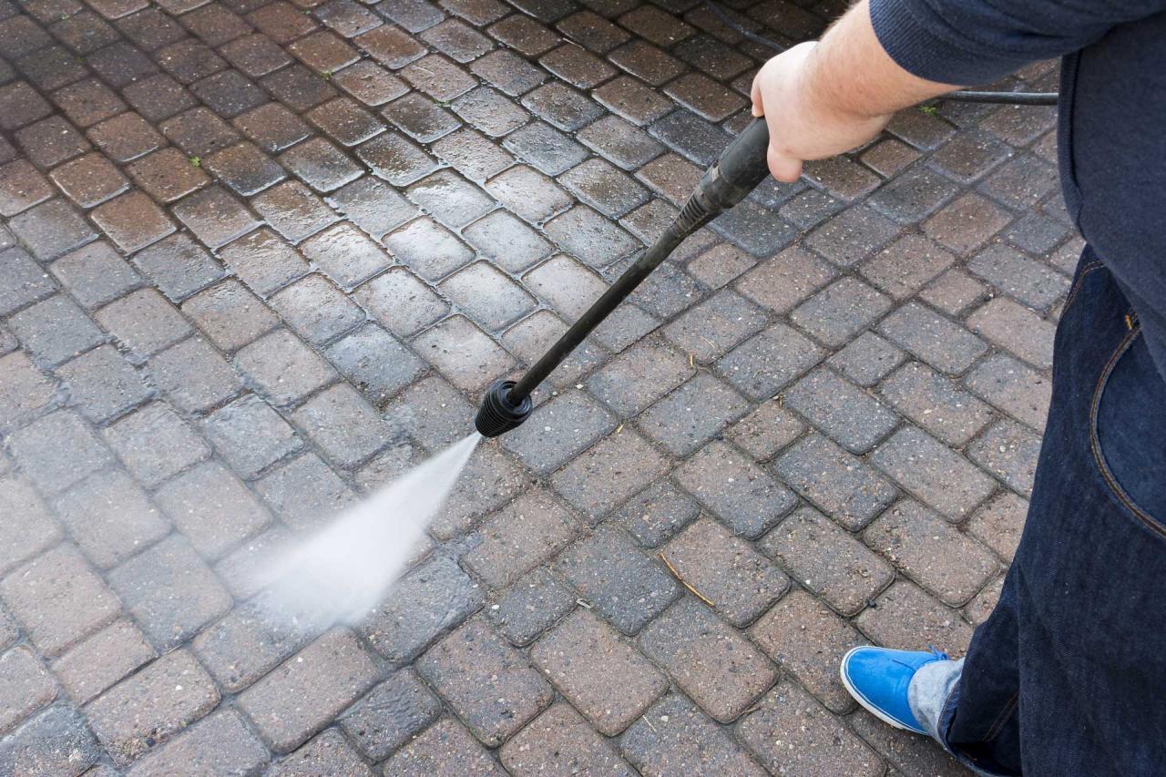 Paver Cleaning & Sealing